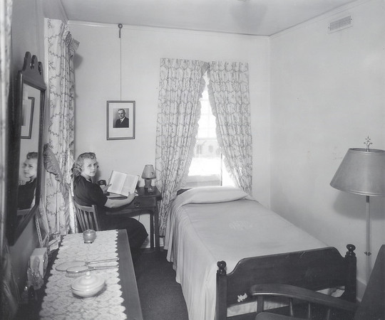 Montgomery Hall Student Room 1938 after the Interior Remodel